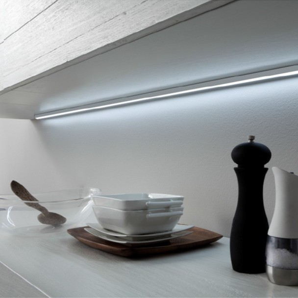 L mpara led lugano con perfil aluminio para cocina for Lampara led cocina