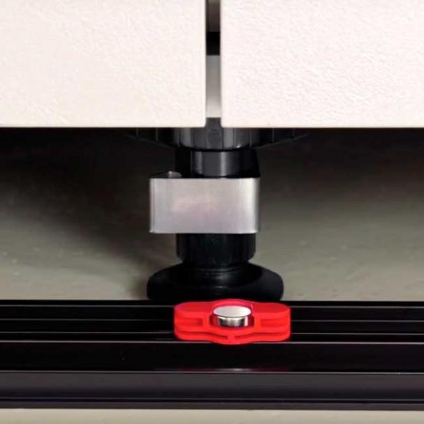Pinza Magnética para Zócalo de PVC Rodapié Cocina